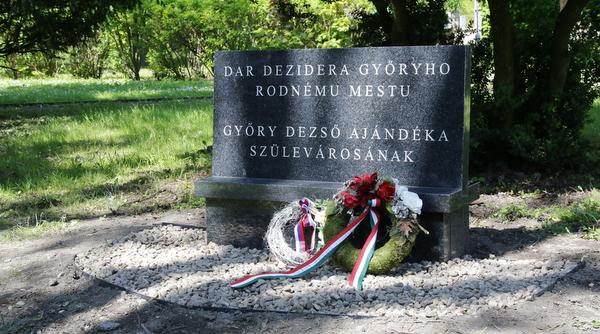 Megújult a Győry Dezső emléktábla